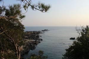 トローキの滝からの海