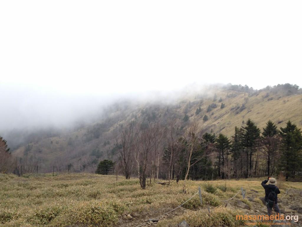 雲のかかる稜線