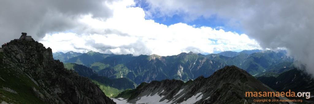 雄山から雲が去って絶景が目の前に