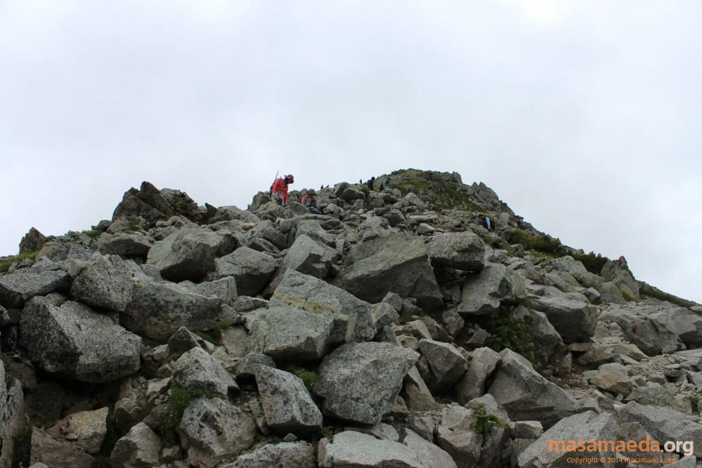 急な岩稜帯