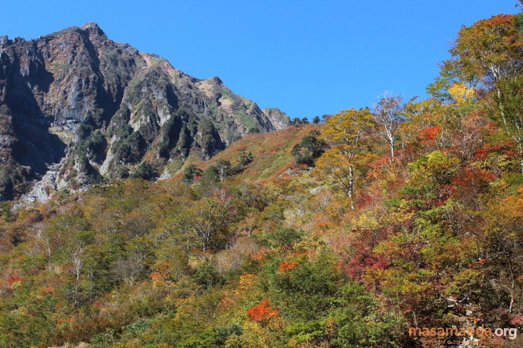 一ノ倉岳と紅葉