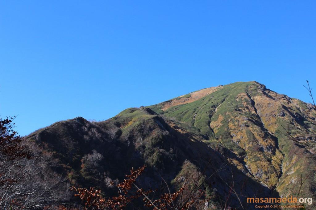 谷川岳から下山中の登山者多数