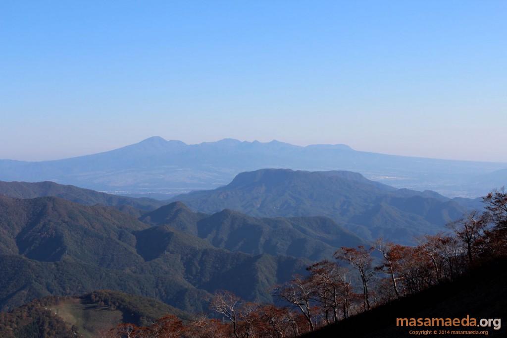 水上のテーブル山、阿能川岳