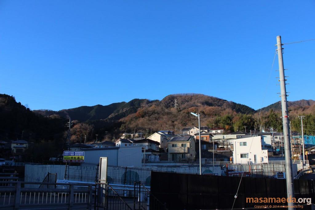 快晴の仏果連山