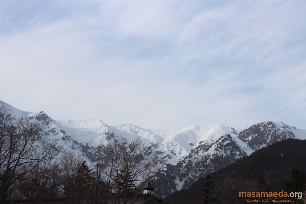 白銀の山々