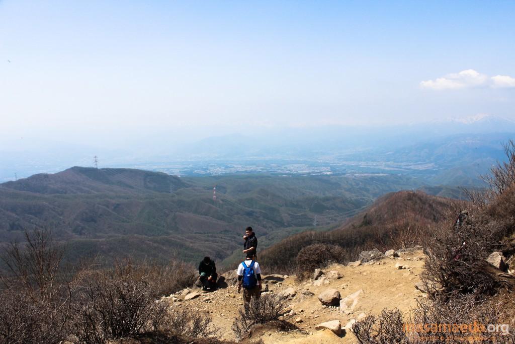 ここは広々とした山岳展望が楽しめます。